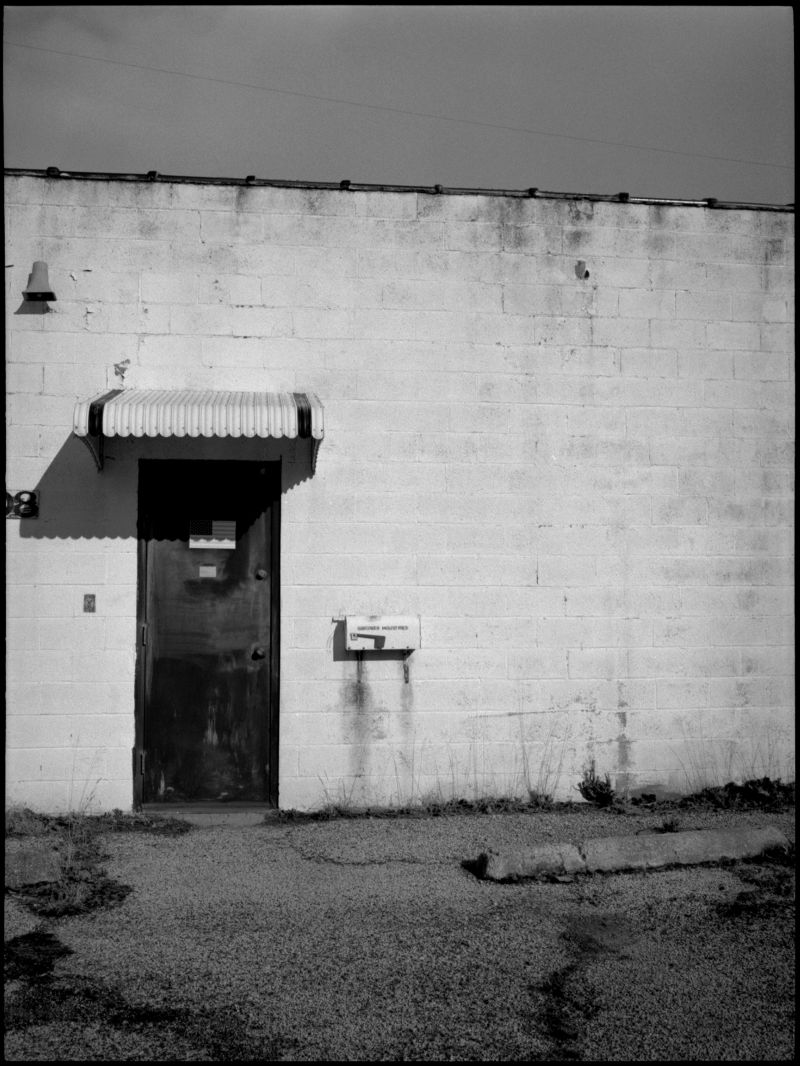 cinder block building - independence, mo - b&w