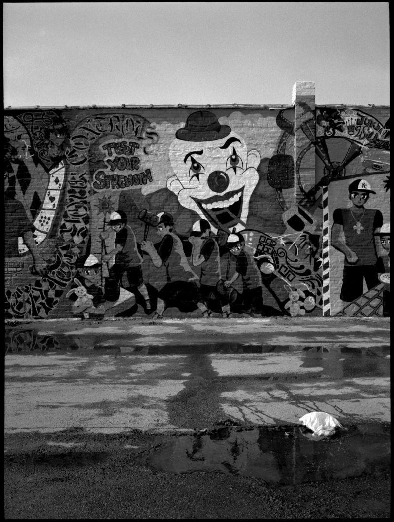dollar store mural - b&w photo - fuji gs645