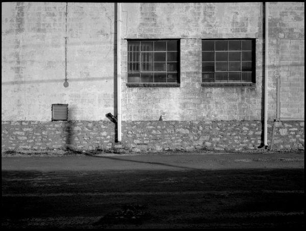 photo of an alley wall, nkc, missouri, b&w,