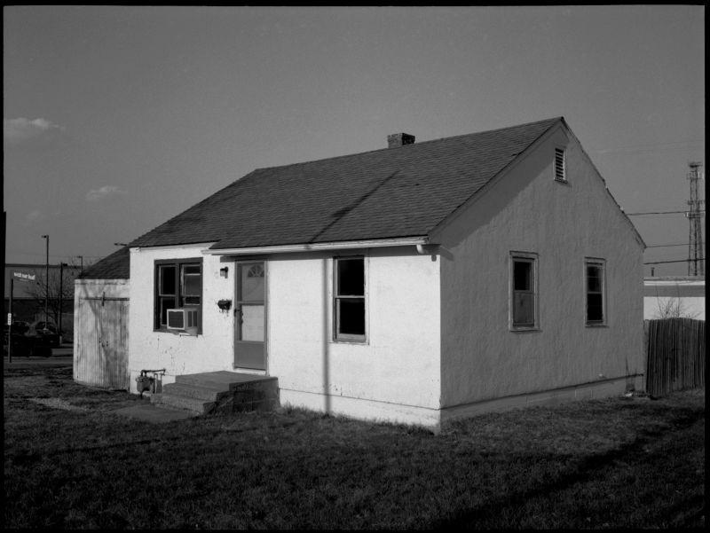 abandoned house in overland park kansas, photo