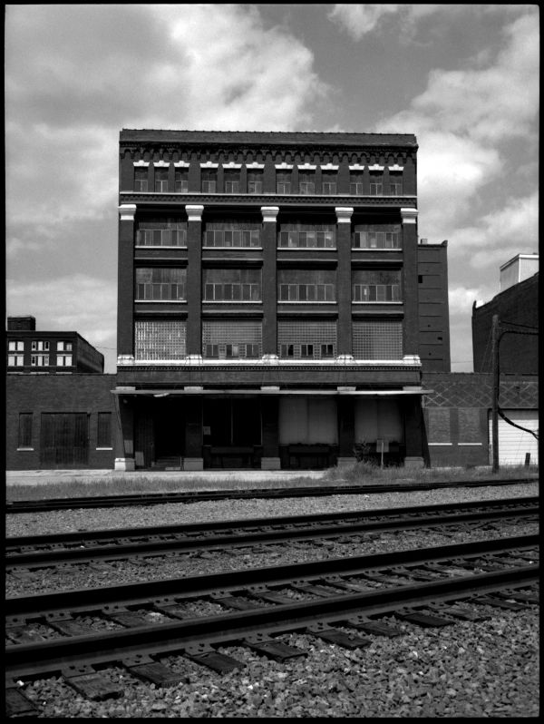 avis furniture - west bottoms, kcmo - photograph