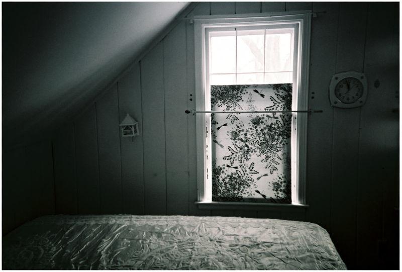 photo of an empty bedroom