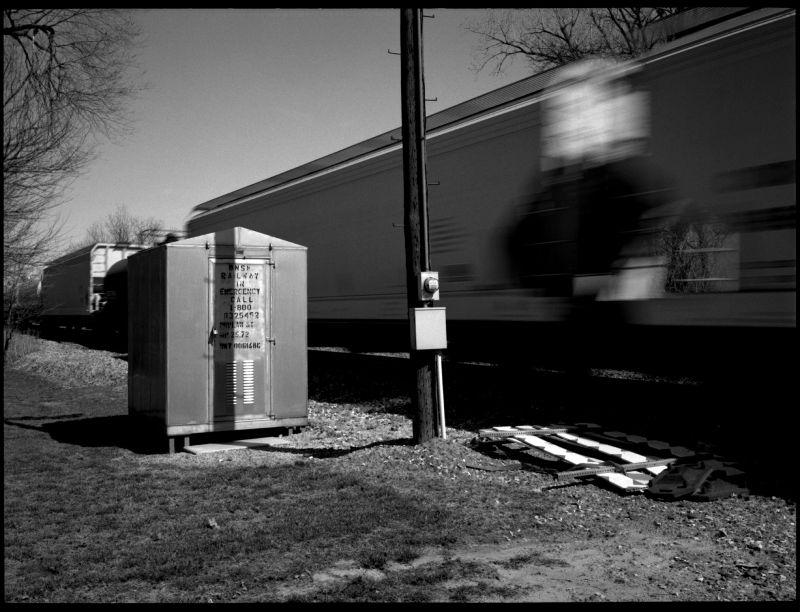 moving train - kansas city, kansas - photo