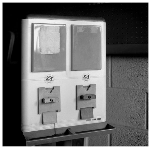 empty candy machine - grant edwards photography