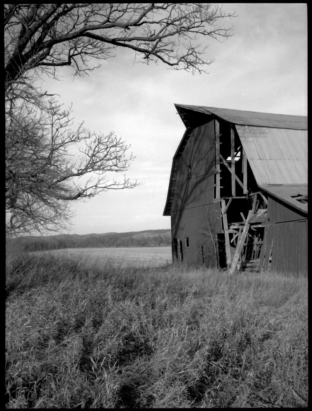 iola barn - grant edwards photography