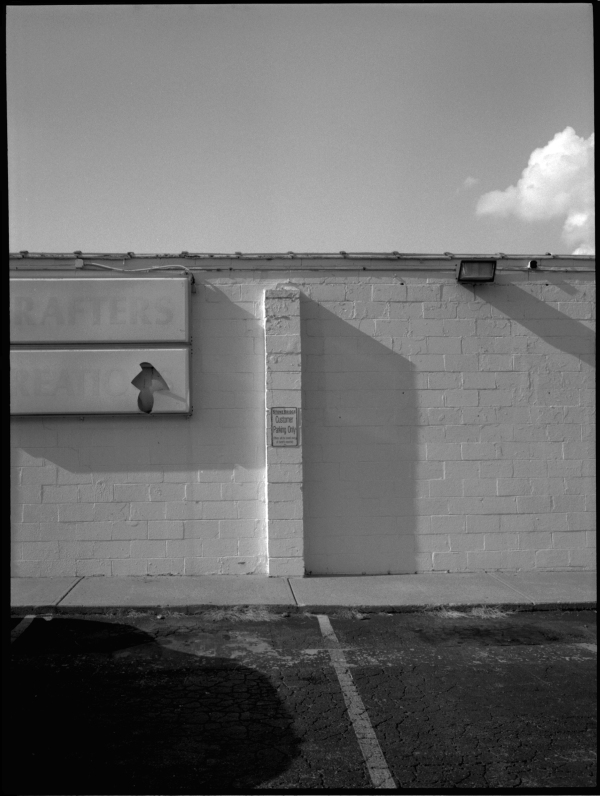 broken sign - grant edwards phototography