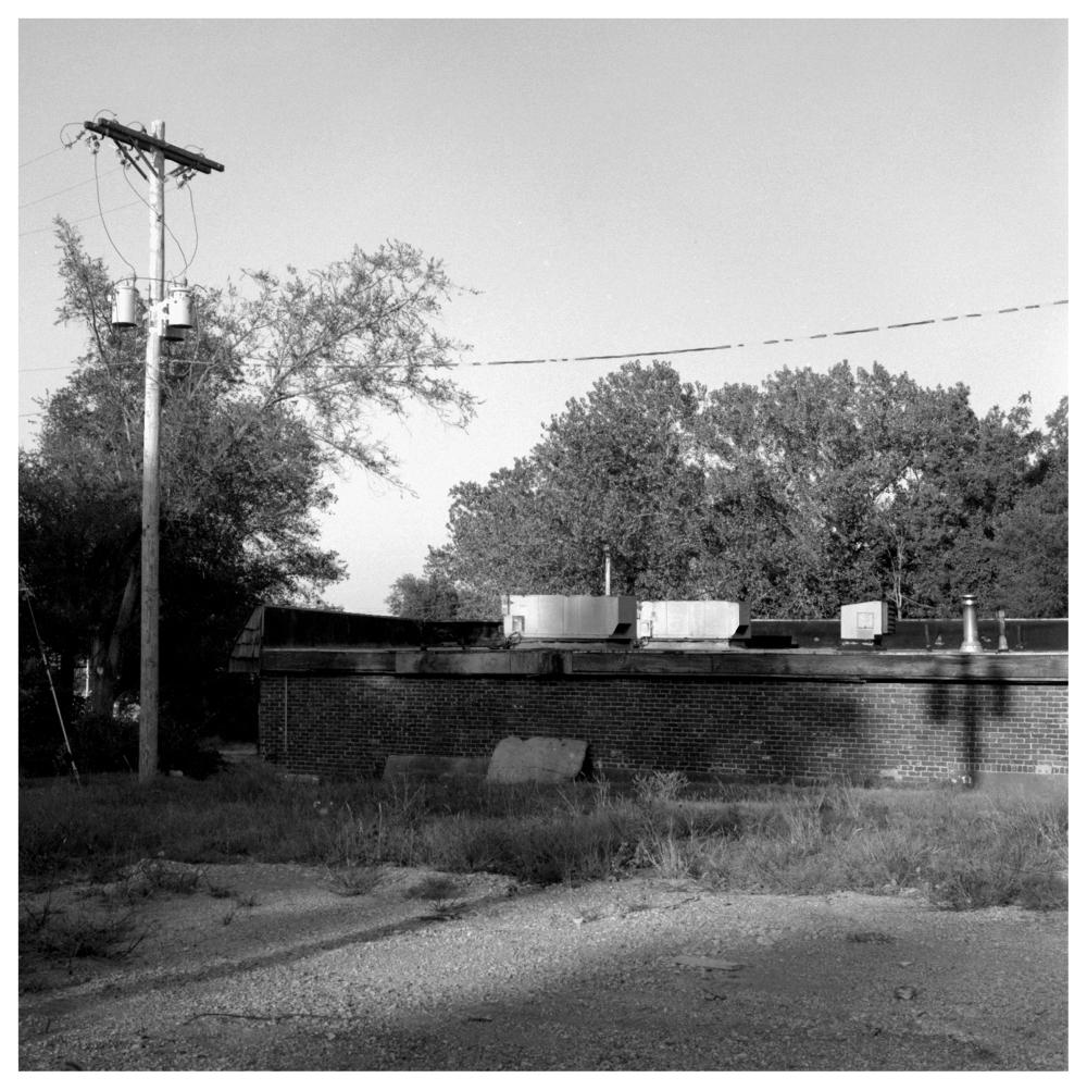 abandoned bar - grant edwards photography