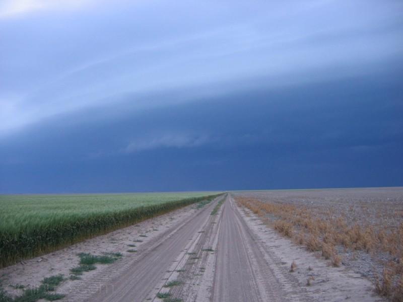 Arcus cloud in western Kansas