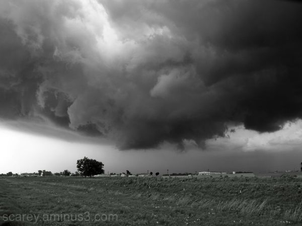 Wall Cloud Image in Black and White