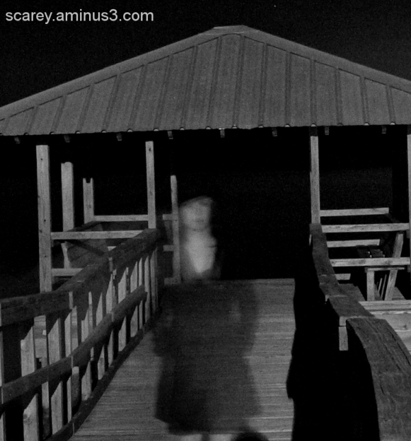 A woman's ghost haunts a pier on Mobile Bay