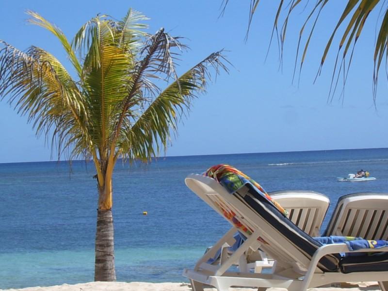 Mauritius lounging around