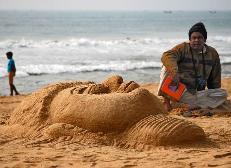 The sand art on the beach!
