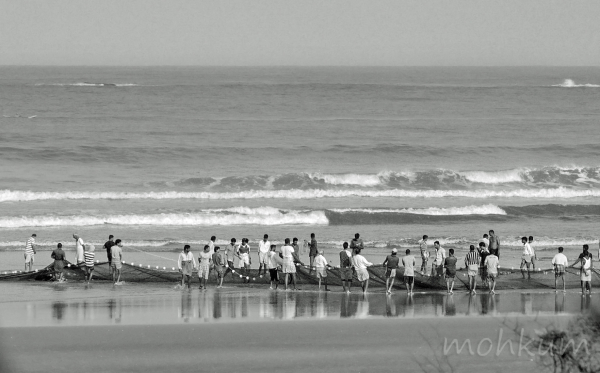 beach village fishingnet goa
