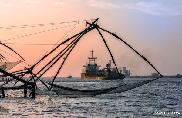 chinese net fishing ship sea fortkochi