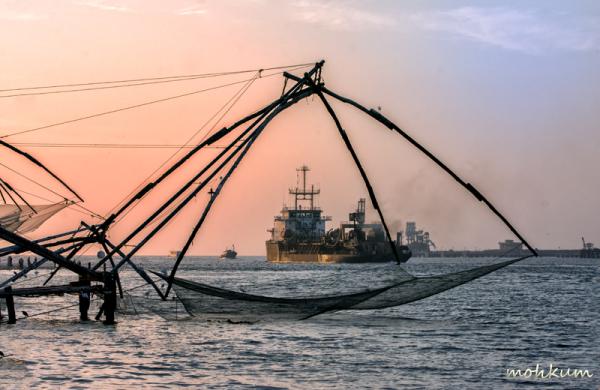 chinese net fishing ship sea fortkochi