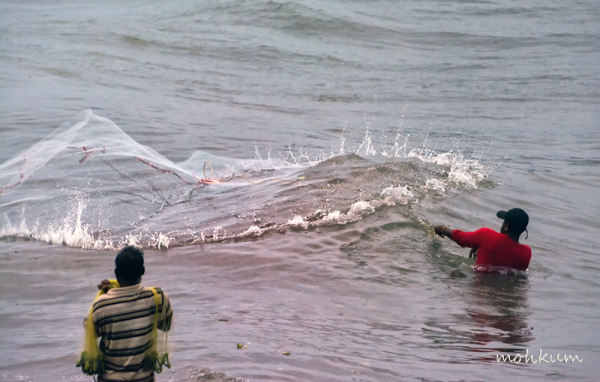 fishingnet beach fortkochi