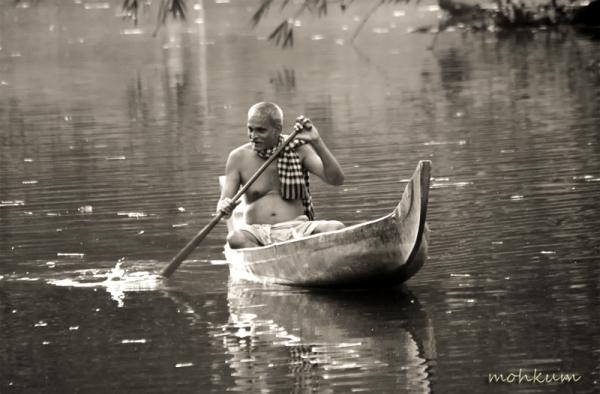 boat fishing river thalavady kuttanad