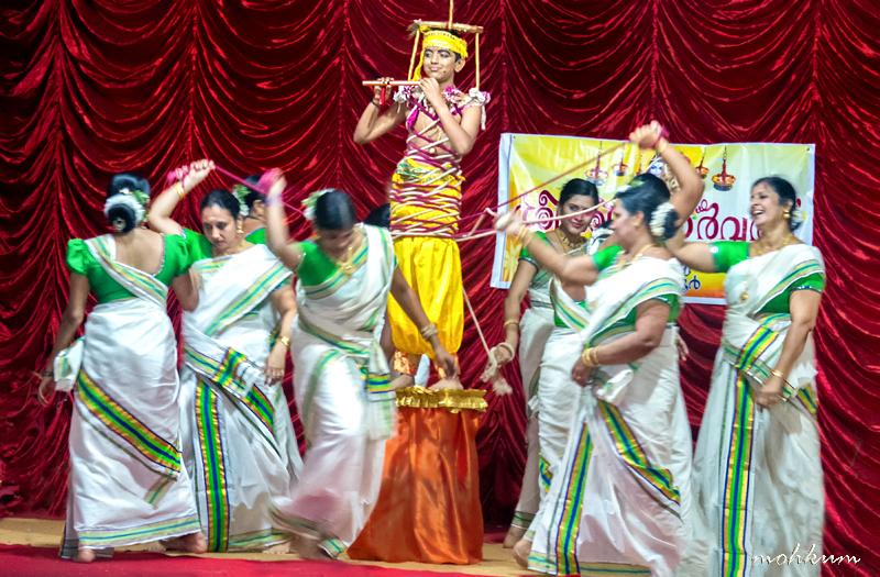 thiruvathira pinnal krishna gopika folkdance