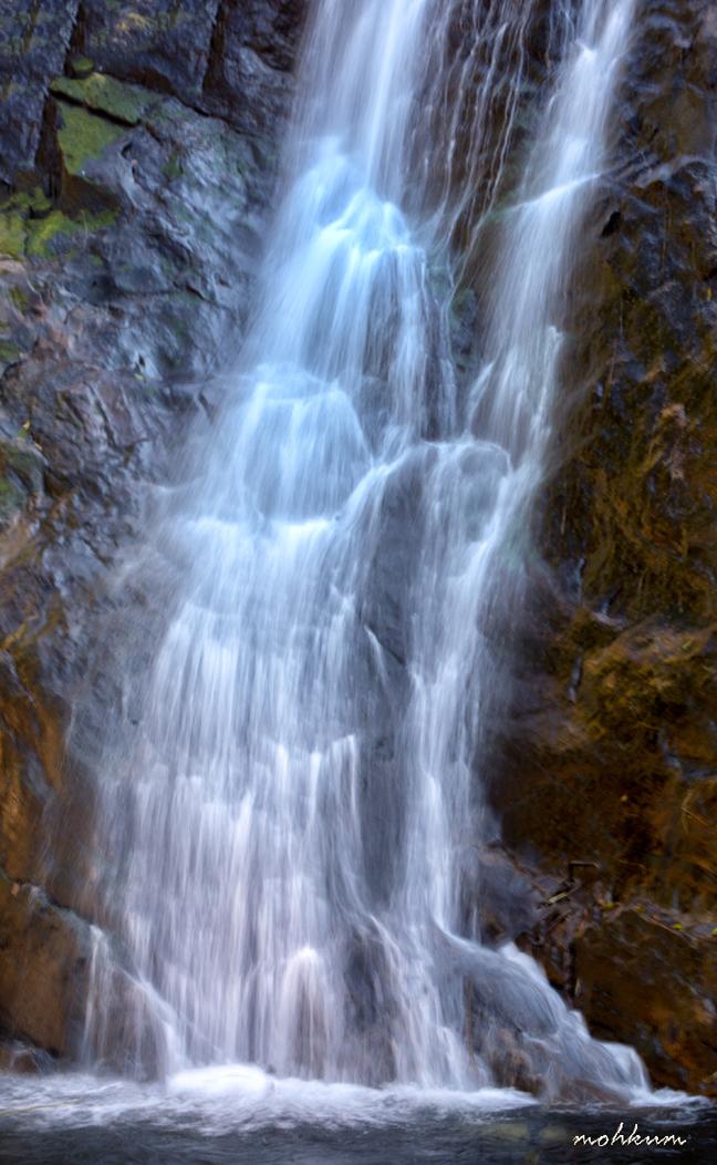 palaruvi waterfall aryankavu