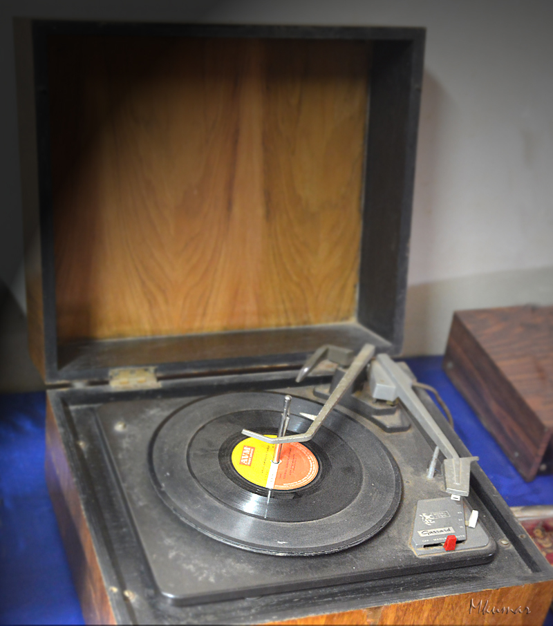 gerrard turntable record player vintage