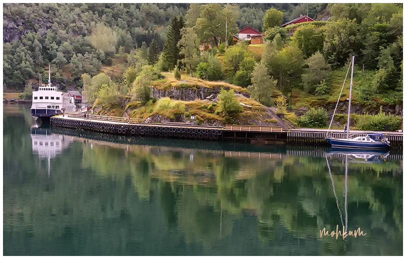 lake ship mountain flam norway