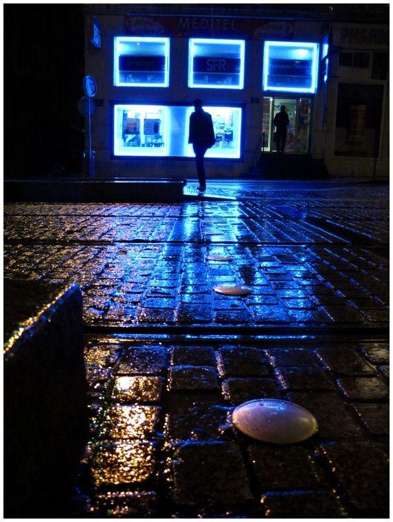 night lyon blue