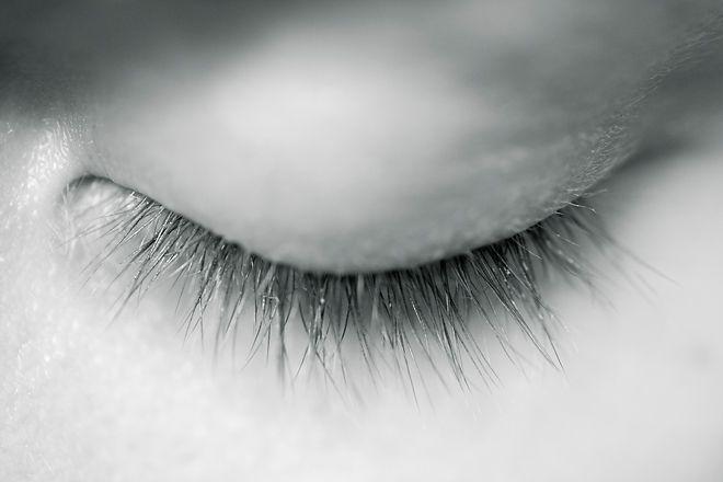eye shut