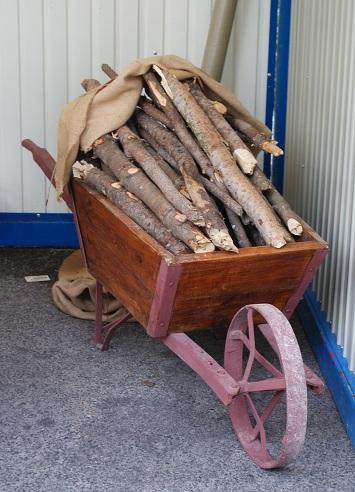 carrinho de lenha
