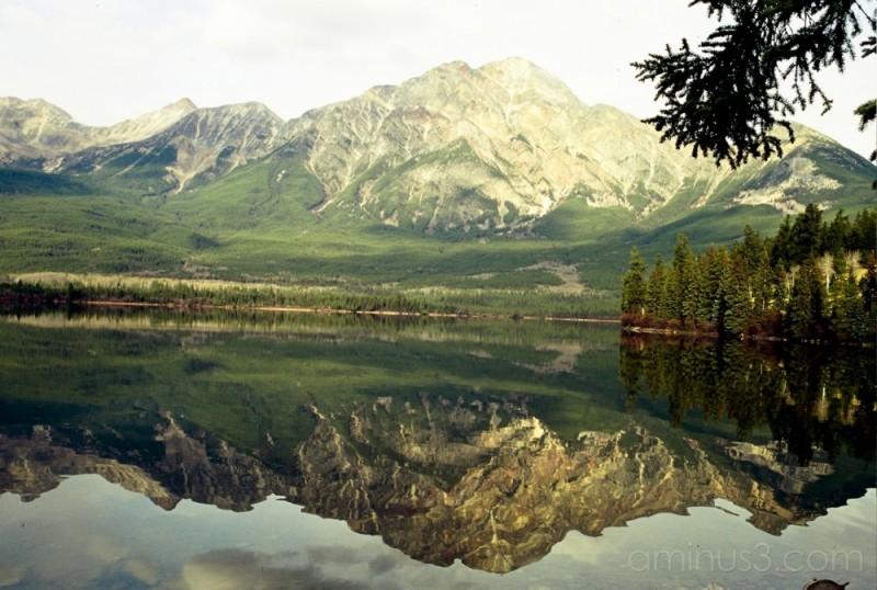 lake mountain