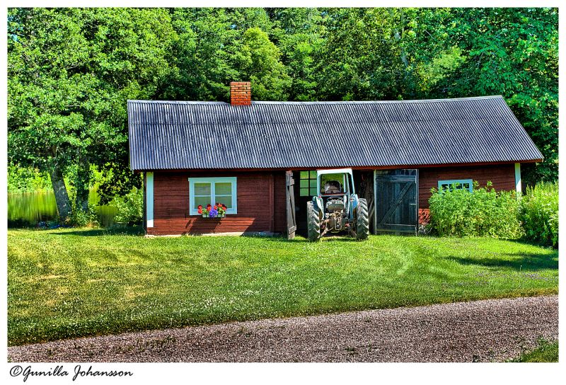 garage for tractor