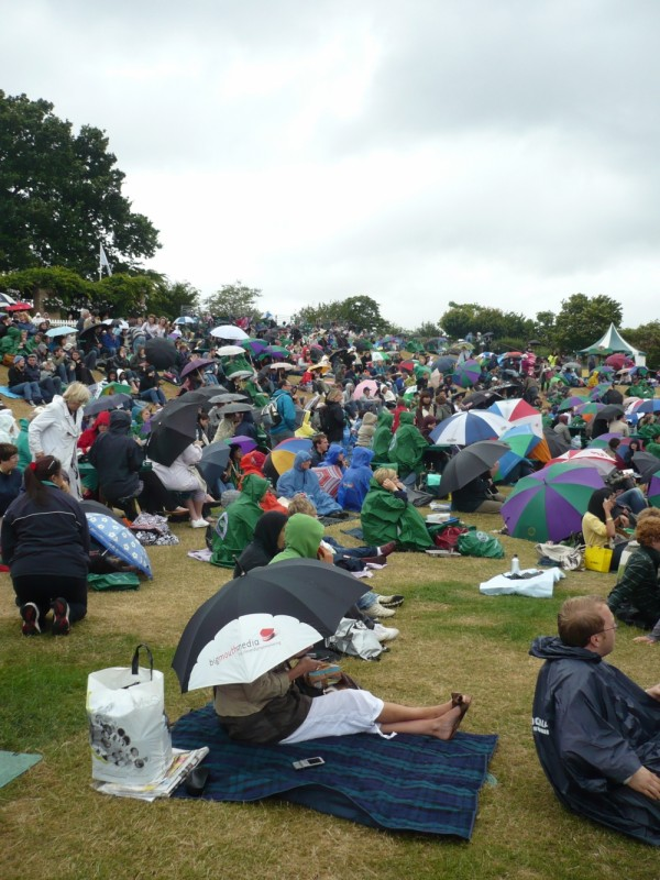 Bigmouths and other tennis fans at Wimbledon 2008