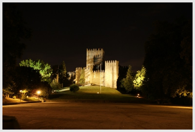 Castelo de Guimarães (Guimarães Castle)