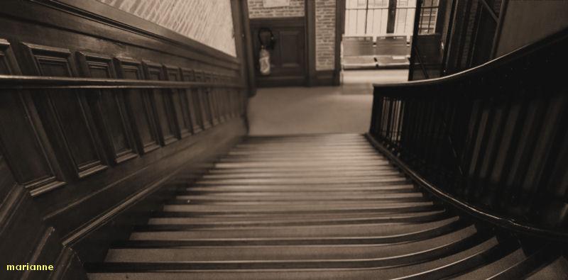 ....tomber...... et se relever, seul .......