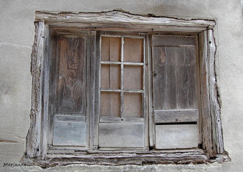 La vieille porte ...