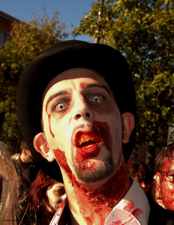 zombie walk ... give me a smile ...
