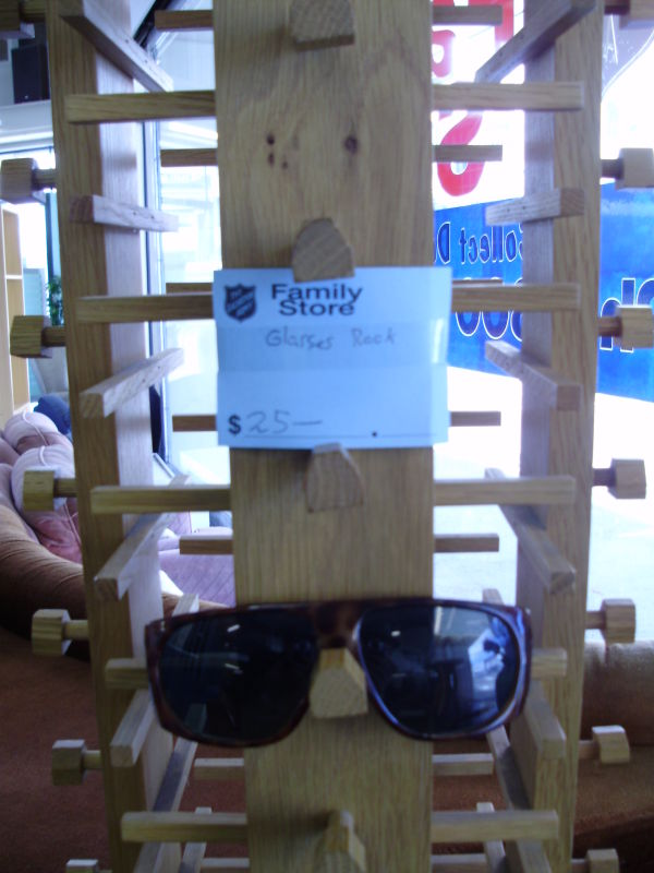 I want a glasses rack for my pair of glasses!