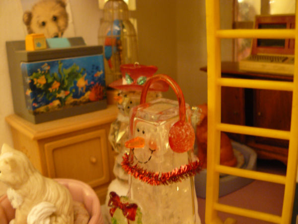 Holiday Visitors to the Dollhouse