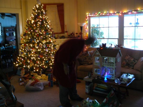 Checking Tree Dollhouse Christmas Light smowmen
