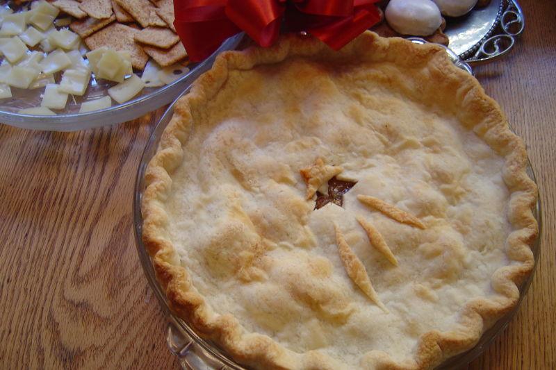 Christmas Apple Pie with a Star of Bethlehem