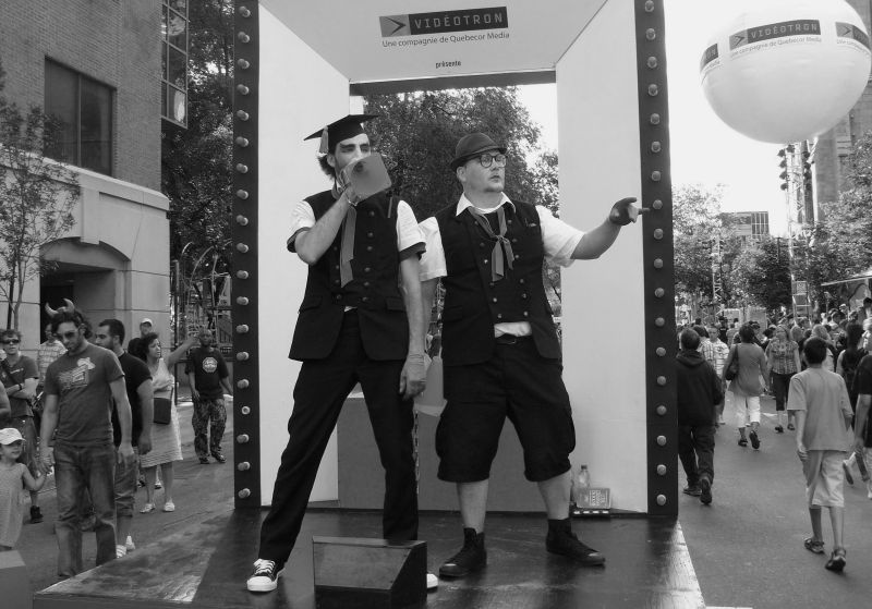 Mimes in Montreal Comedy Festival Crowds & pass by