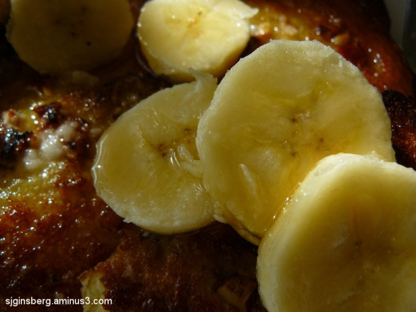 breakfast of french toast and bananas