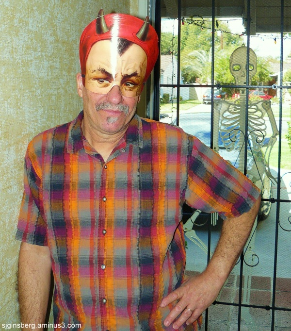 Devil Dave awaits trick-or-treaters Halloween 2010