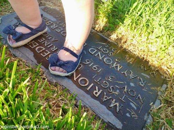 Turunj visits on her great-grandparents' grave