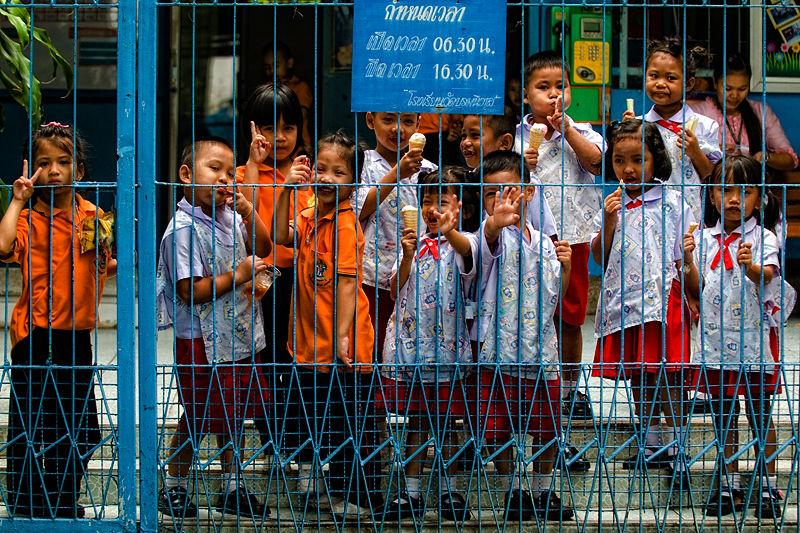 schoolchildren bangkok