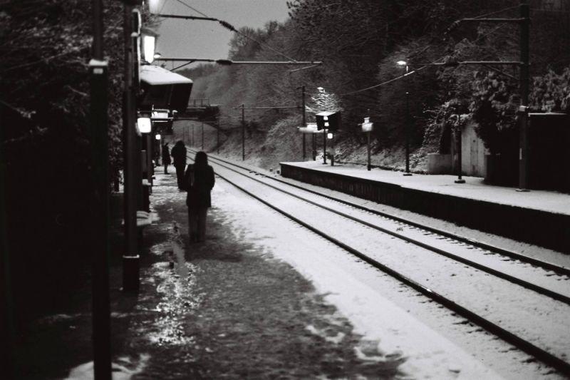waiting the suburb train