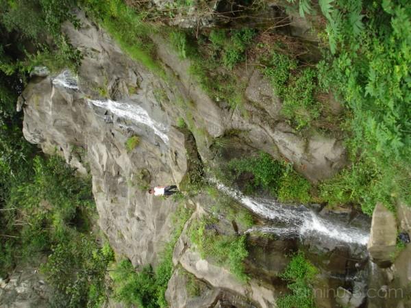 (A Beautiful WaterFall in Ramsar) آبشاری زیبا