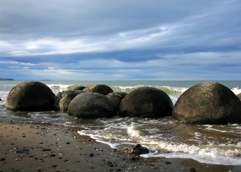 A RUMBLE OF BOULDERS.