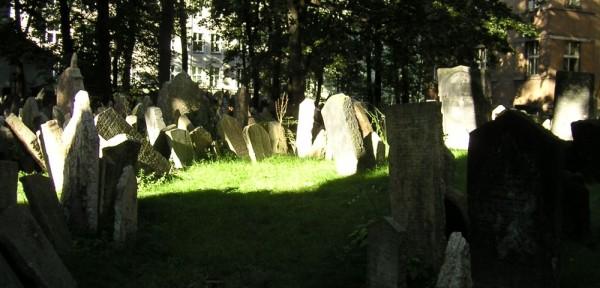Graveyard in Prague