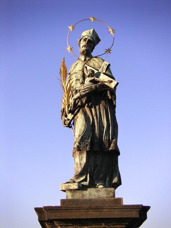 Prague, Statue