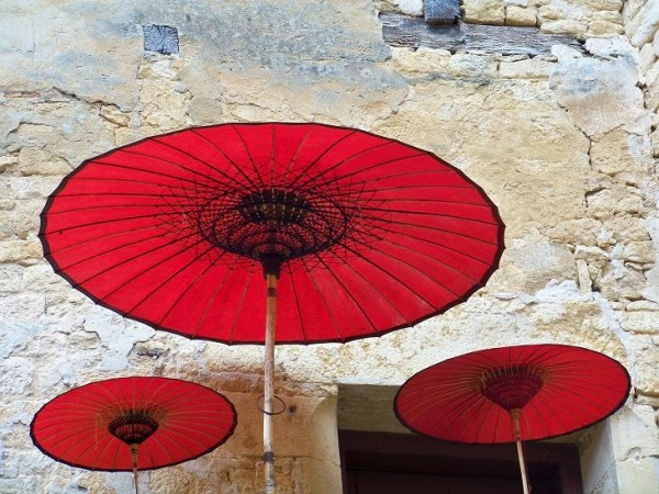 chinese umbrellas in france